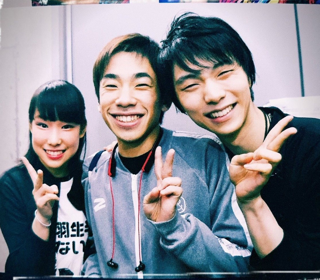 Tbt to a photo of Mai, Nobu and Yuzu where Mai wears a shirt with Nobu's face on it saying Yuzu has no chill while Yuzu is standing next to them- pic.twitter.com/CbQzpLwQ8t  by GrünewaldBuchtrailer