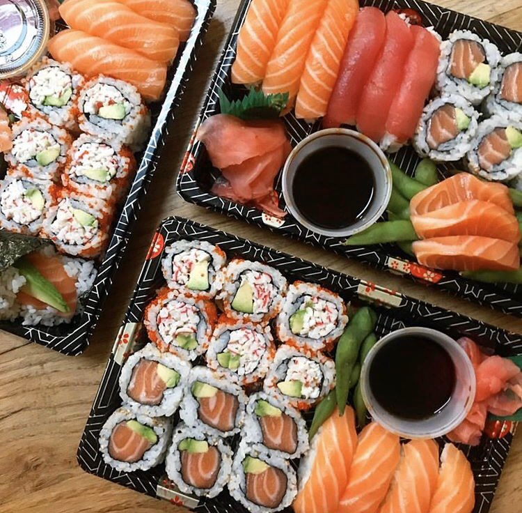 Who is a sushi lover?   #StayAtHome #yummy #blogging #picoftheday #loveislovepic.twitter.com/IlcjJ7ebrE