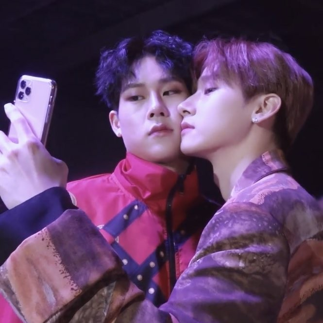 @ changkyun  now that jooheon is back and it has been more than a week, i think you can release these pics, right my love ?  PLEASE POST THEM pic.twitter.com/MsjQzx15T0  by reyna 445 🌙🐝 au 📌