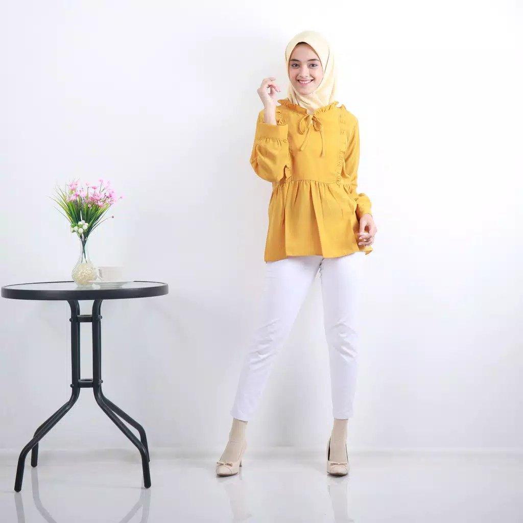 Shanti Bluose  Bahan : wollpeach  Hanya 1 ukuran L  Lingkar dada : 104 cm Panjang baju : 65 cm Lingkar bahu : 40 cm Lingkar lengan : 38 cm Panjang tangan : 52 cm  #AmandaBlouse #Marhamah #hijabmuslimah #AmandaBlouse #Blouse #Amanda https://t.co/kPm9YytPAh https://t.co/NOsmF0XqWc