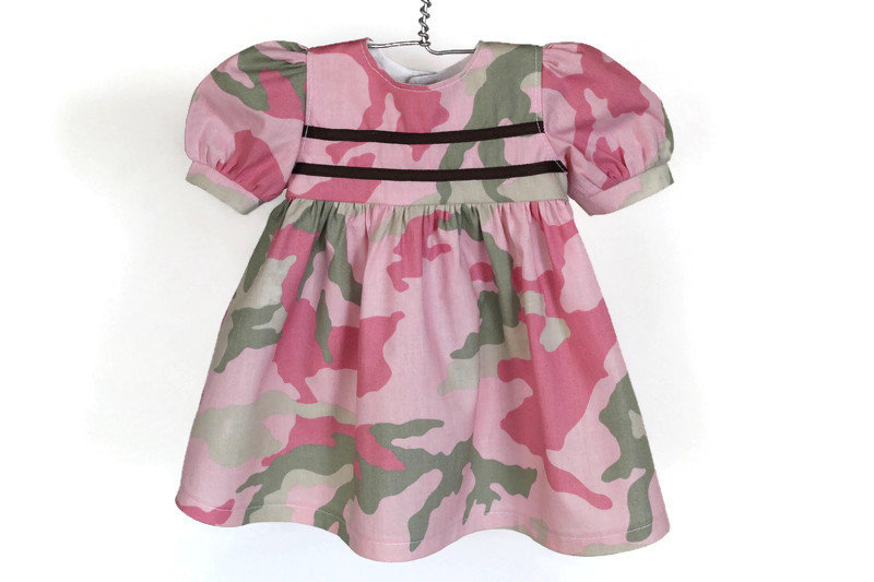 Excited to share the latest addition to my #etsy shop: Pink & Green Camo Baby Doll Dress, Army Girl, Birthday Party Gift, Camouflage, Fits Bitty Twin and 14, 15, or 16 inch Doll Clothes https://etsy.me/2X5ksVs #toys #dollclothes #dollclothing #standwithsmall #shopetsy pic.twitter.com/sy2Gd0gAUN