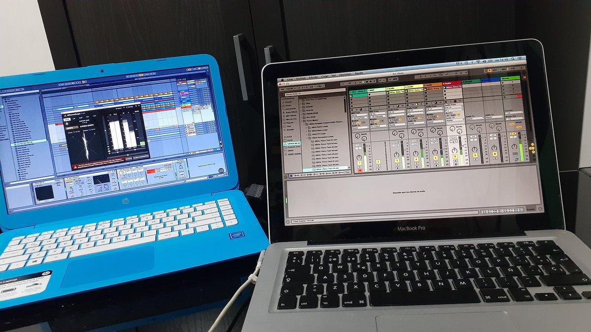 No se porqué dicen que la cuarentena es aburrida. #techhouse #producerlifepic.twitter.com/DHp1pH18Is
