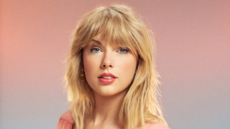 .@TaylorSwift13 has accumulated over 1 BILLION total streams on Spotify this year alone.