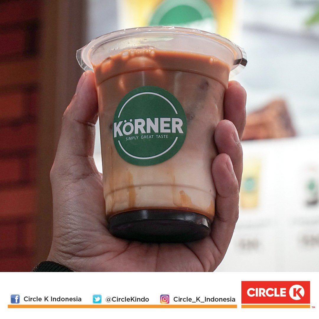 Mana nih penggemar Iced Coffee-nya CK Korner?? Rasanya emang ga pernah ngebosenin ya pic.twitter.com/HxXwz0foQf