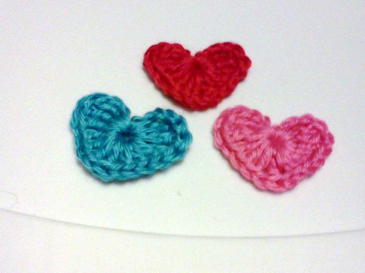 Crochet Hearts, Miniature Hearts, Embellishments, Party Favors, Party Cone Fillers, Heart Applique, Birthday Decoration, Groups of 3 #grammaleas #miniaturecrochethearts #lotof3 #heartapplique #miniaturehearts #embellishments #shopetsy #shopsmallbusiness  https://etsy.me/2V6jdm8pic.twitter.com/gDZaat93BY