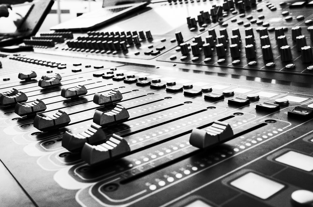 Send us your files for mixing/mastering  Go here to book a time with us  http://KrushStudios.org  #mixing #mastering pic.twitter.com/uwCuE4TKS7