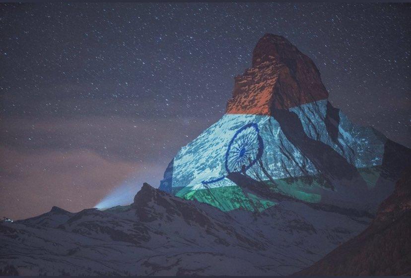 Switzerland's mountain - the #ZermattMatterhorn lit up in the glorious Indian Tricolour!! Jai Hind !! Light Art by #GerryHofstetter and 📸 #GabrielPerren