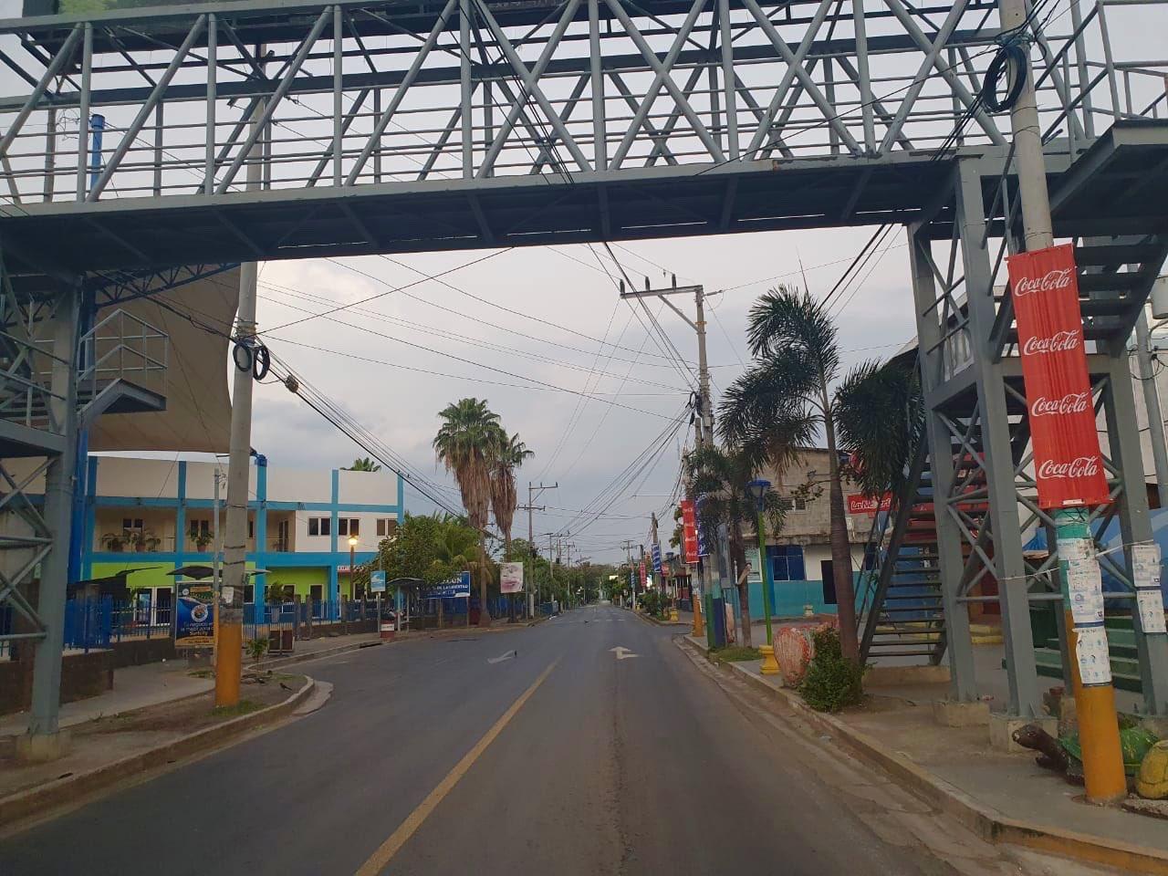 Cerco sanitario en Puerto La Libertad fue un virtual estado de sitio