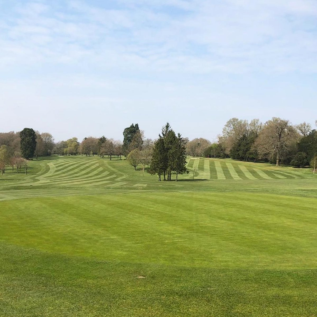 Are you missing our Course as much as we miss having you here?! Share the love and stay positive #brookmansparkgolfclub #golf #hertfordshiregolf #brookmansparkpic.twitter.com/38BTworiYJ