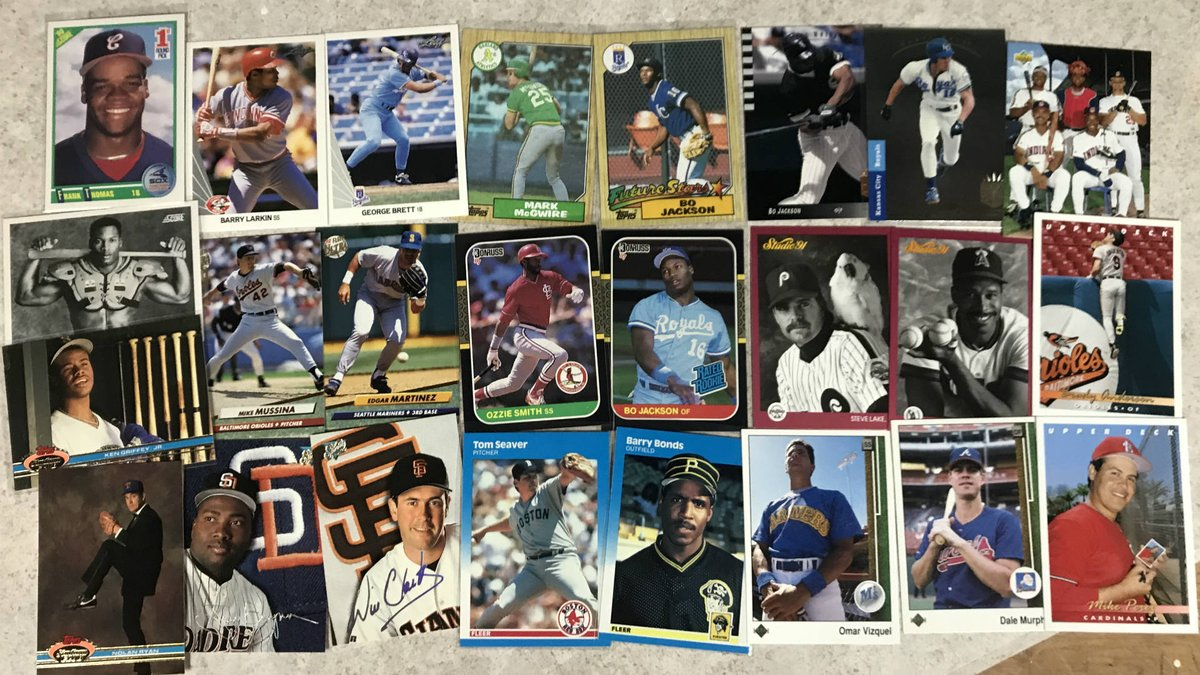 On Tuesday, I ranked the 11 worst sets of the Junk Wax Era.  Today, as a peace offering to my younger self (who was no doubt mad at me for saying bad things about his favorite cards), I give you the 13 BEST sets of the Junk Wax Era.  They are glorious. https://t.co/tfiwbz0YBS https://t.co/o2mZn1wRkQ
