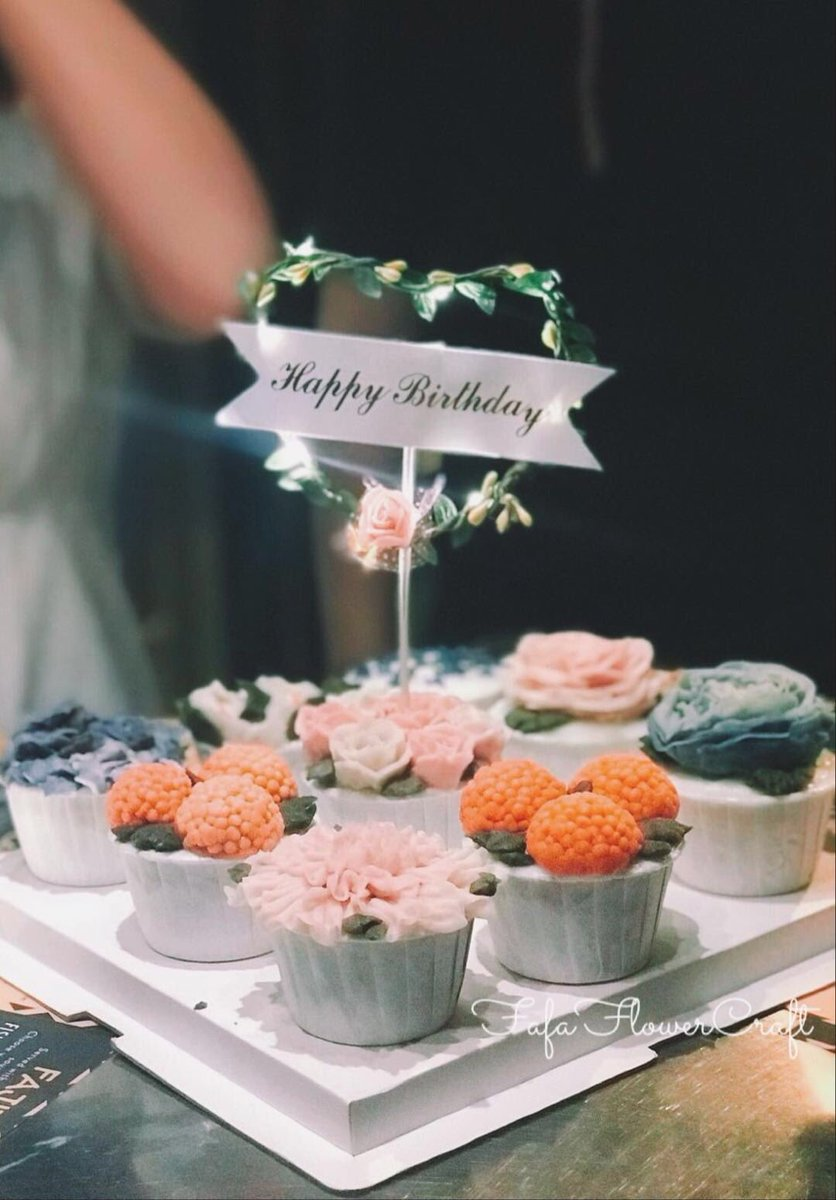 . #hkig #hkfoodie #foodie #hkgirl #hkcouple #baking #baker #cakedesign #cake #hkfoodblogger #cupcakes  #weddingcake #beanpaste #beanpasteflower #Soul  #edibleflower #flowercake #flower #花蛋糕 #生日蛋糕 #蛋糕 #公司到會 #回禮 #結婚回禮 #囍餅 #立體蛋糕 #vegan #꽃케이크pic.twitter.com/sNB2ZNxUUo