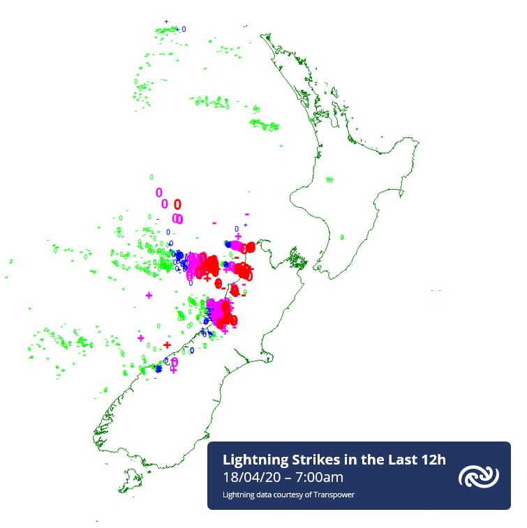 The map shows the  distribution recorded by our radar network over the last 12h. Red shows the most recent strikes (within the last 30 mins) then successively pink, blue & green (anything more than 1.5h ago). Today's Thunderstorm Outlook can be found bit.ly/TSOutlook ^AC https://t.co/v3Ke7C0kkb