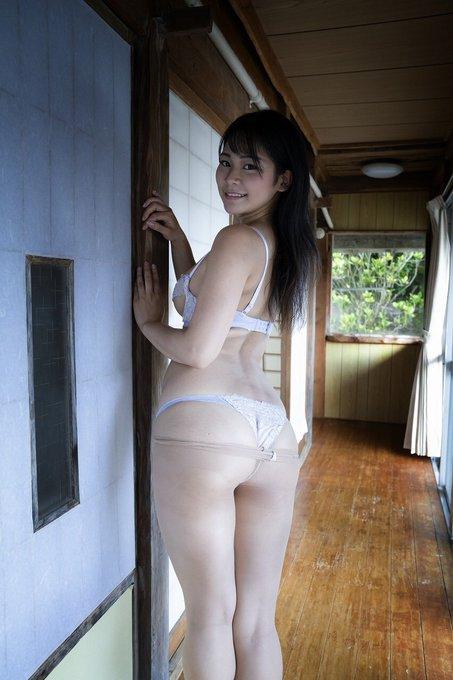 グラビアアイドル高杉杏のTwitter自撮りエロ画像2