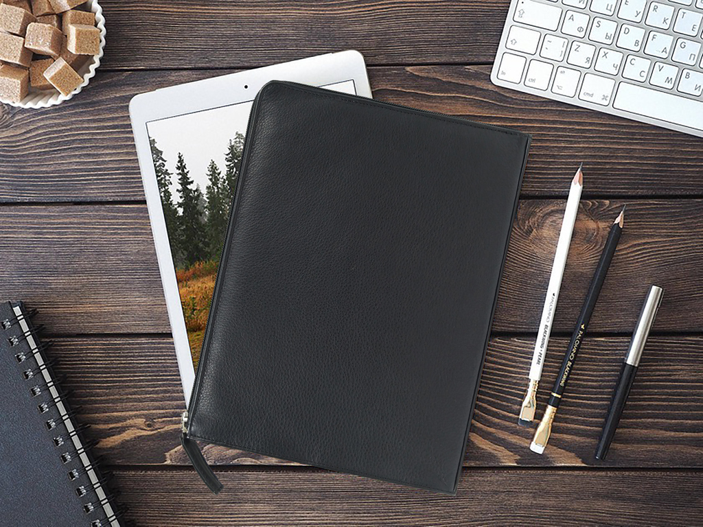 While working from home, you should have all the accessories you need! Take our iPad case for example. It's lightweight and helps in keeping your iPad safe at all times!  https://bit.ly/2RlJsUF #ashlinbpg #ashlinleather #ashlin #travel #fashionaccessories #luxuryleathergoodspic.twitter.com/CsjCpth7VO