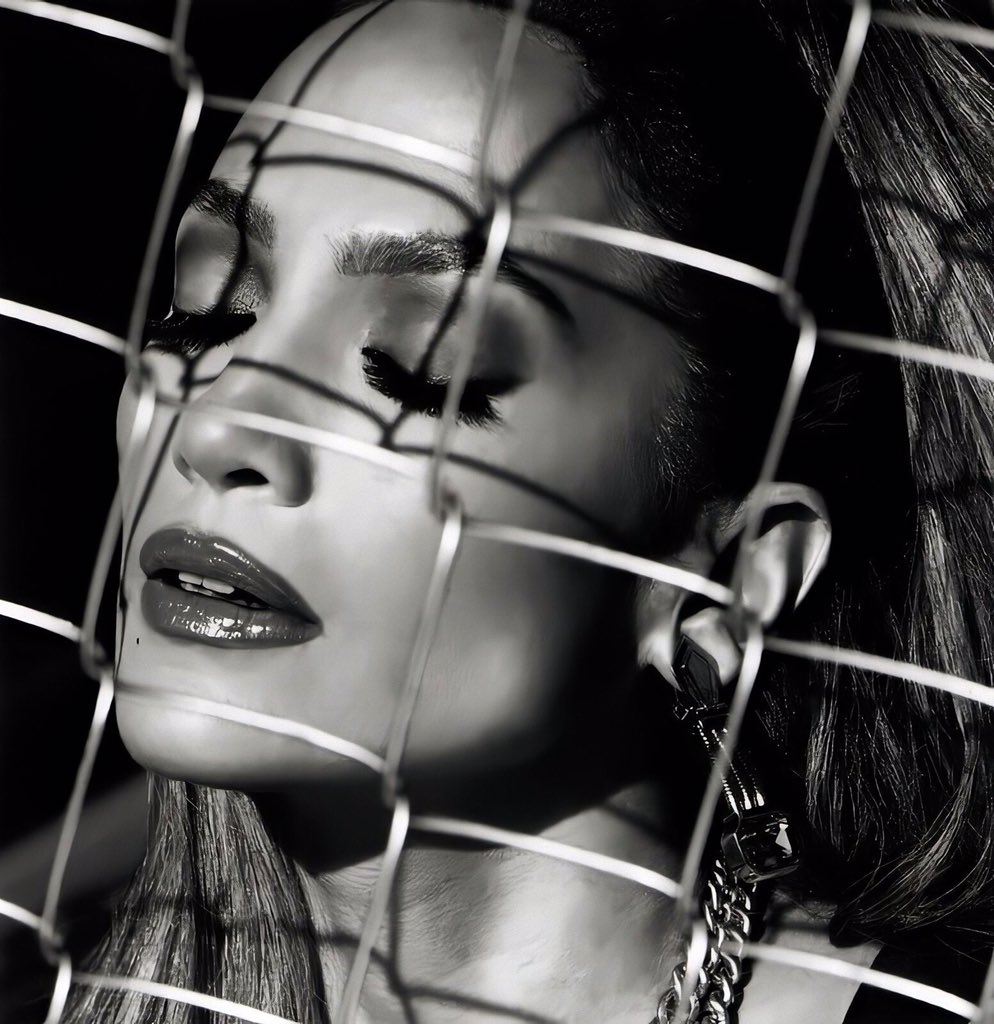 and last photos of this serrie. Thank you for all this hit songs... We're waiting for to hear your new songs... 😘 @jlo #jlover #firstlove