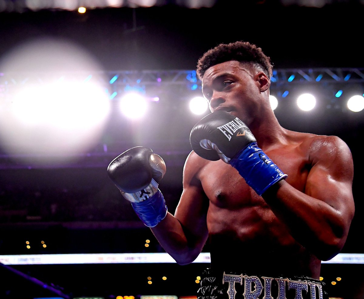 Errol Spence Jr says he'd love to fight Manny Pacquiao, and that a Terence Crawford fight will happen More: badlefthook.com/2020/4/7/21211…