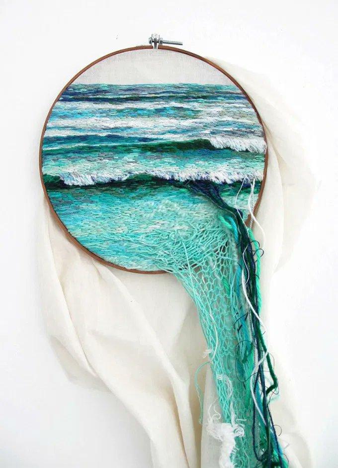 Using embroidery, yarn, and wool, Peruvian artist Ana Teresa Barboza creates textile art depicting land and seascapes #womensartpic.twitter.com/XDitG6YtUa