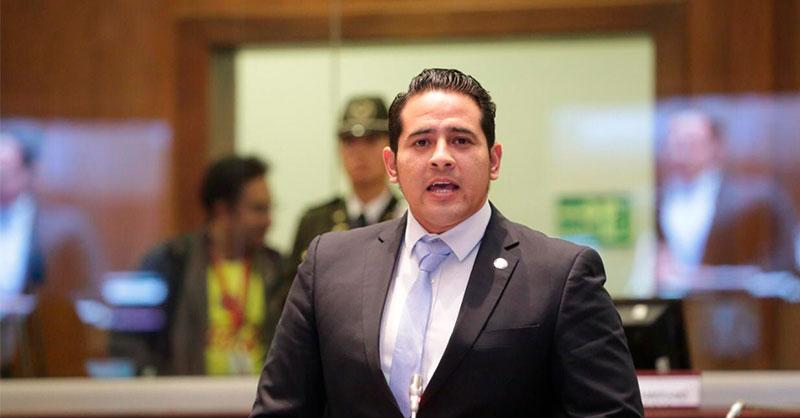 """Ronny Aleaga Santos on Twitter: """"Estamos 🔴EN VIVO🔴 a través de la señal  de @teleradioec para hablar sobre la crisis sanitaria que vive Ecuador,  pero sobre todo #Guayaquil debido al #Covid19Ec 🦠."""