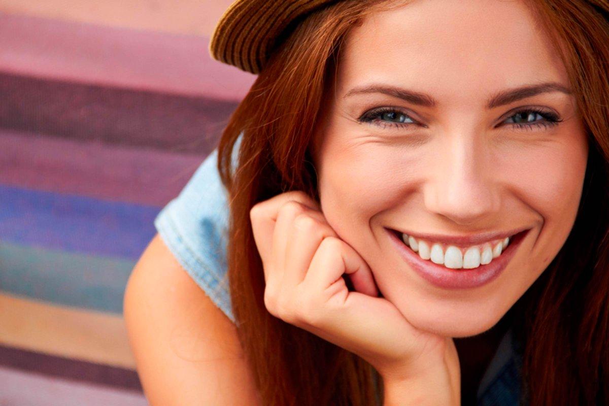 Que ce sourire accompagne, le reste de votre semaine!  C'est aussi ça, le secret d'une longue et belle vie; à consommer sans modération!  #LiveYourDream #CosmAct  Visitez https://www.cosmact.eu/  #cosmetics #Cosmetiques #2r2tbpic.twitter.com/6jgFBzs8WC