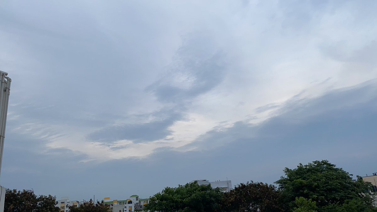 Here  very cloudy Astrid . Watch my #Sunset now . Total day very cool today than any other day . Good evening to u and all  the friends here pic.twitter.com/YAsCKckDH8