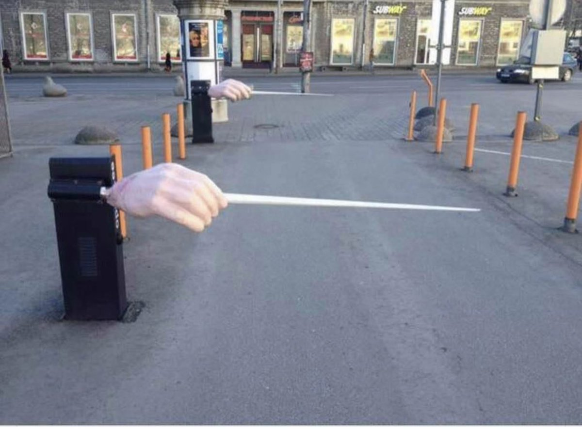 One of my favorites— the concert hall parking lot #conductor even his is empty  #music pic.twitter.com/xUhMdgimOX