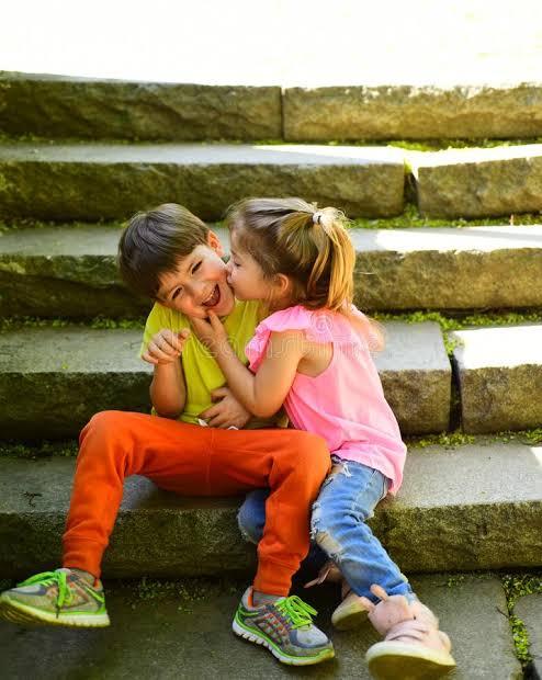 Humko bachpan Ka life fir se jina hai mummy se (1 rupya) mile aur school mei jakar ladki ko khilana hai.   Follow me on Instagram  👇👇👉  #firstlove #LoveStory  #momandson  #lovesmom #momlife  #childlifestyle #KanikaKapoor #AA20 #LoveStory #LoveWithoutLimi