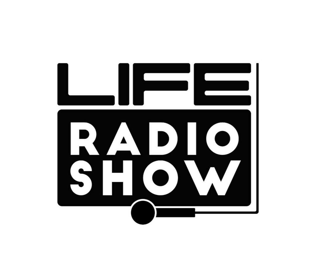 Questa sera dalle 21:30 Life radio show, sarò in diretta dalla pagina Facebook del Life, il meglio della musica Reggaeton e Hip hop.  #FLAMINGO !!!  #tbk #tbkon3 #marcoolivari @life_club_bolzano #saturday #smile #pretty #followme #swag #bigparty …
