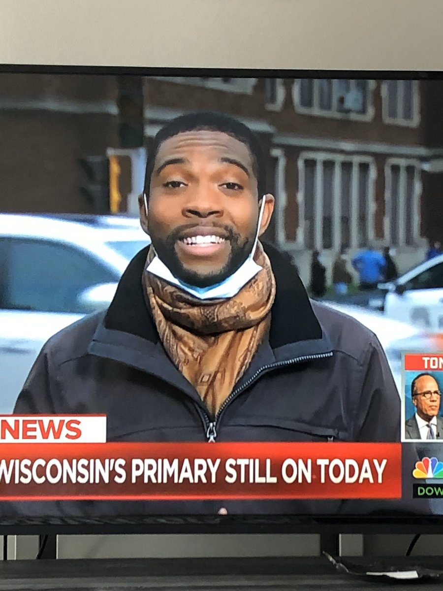 @drsanjaygupta PLEASE READ THIS! We are seeing a lot of reporters doing this with their masks. Please put the word out that this is not sanitary especially w/ a beard! Please teach proper mask use like hand washing & grocery handling. Stay safe & Thank You! #COVID19 #CNNTownHall