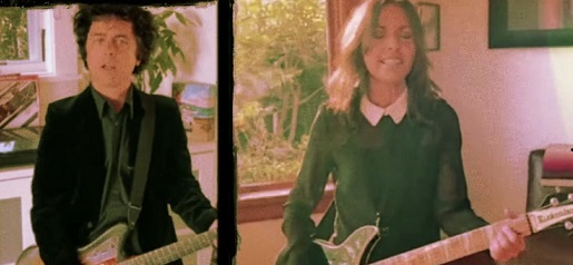 Green Day frontman Billie Joe Armstrong is joined by Susanna Hoffs of The Bangles for a version of the band's 1986 smash, 'Manic Monday', in the latest installment of his new weekly cover song series, 'No Fun Mondays'. #Music  https://youtu.be/j5qPCKxlw2Mpic.twitter.com/rU89jh2aXR
