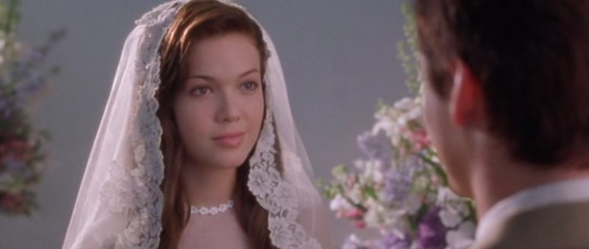 """The best movie of all the time, my favorite """"I walk to remember""""@TheMandyMoore @shanewest pic.twitter.com/uzGAasb6H4"""