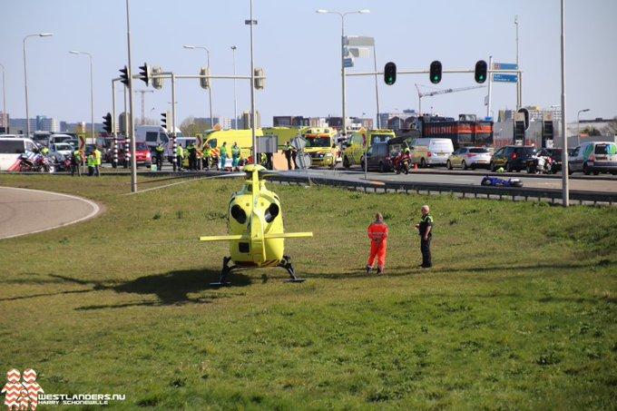 Motorrijder overleden na ongeluk Wippolderlaan https://t.co/ZRqPiTt7eQ https://t.co/7kdbFKjPd2