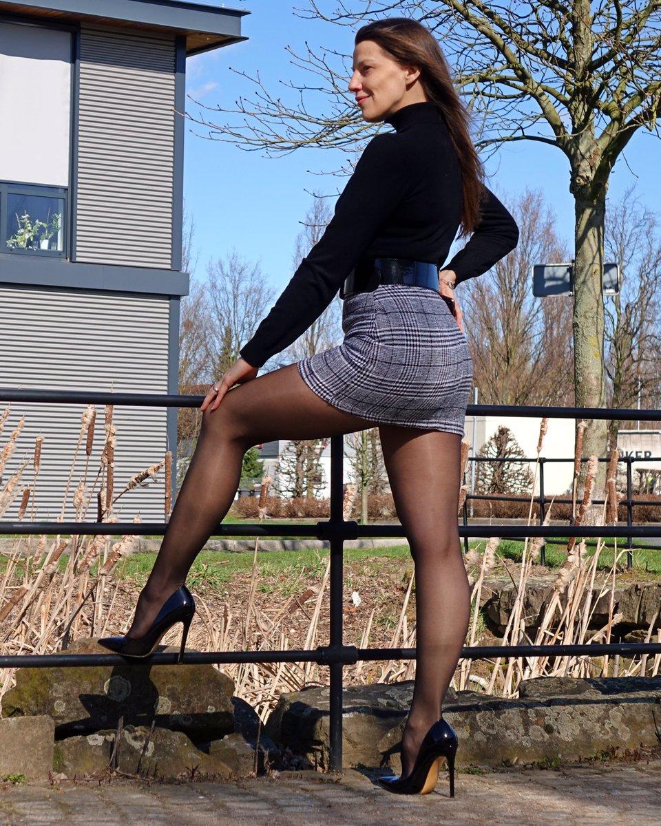 RT if you like my look   #femininity #femininstyle #mystyletoday #mylooktoday #fashionstatement #pantyhosefashion #fashiontights #nylonlegs #nylonfashion #fashionnylons #fashionlegs #miniskirts #picoftheday #classicstyles #highheelshoes #stylebook #classicwoman #womenstylespic.twitter.com/zd422Amb7e