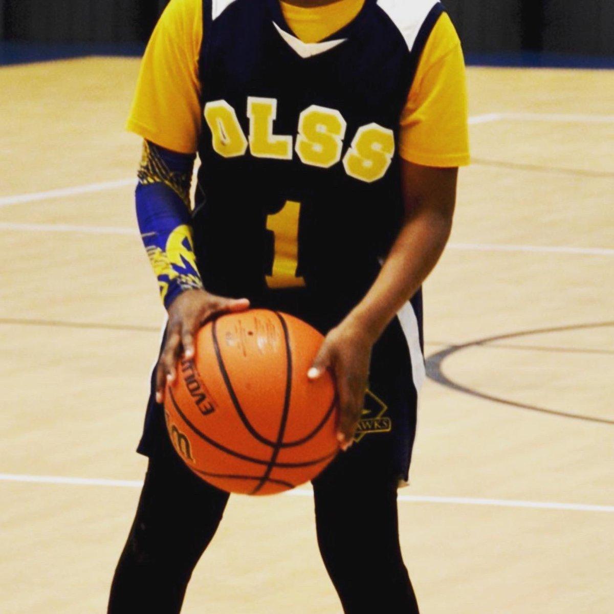 I miss hoopin wit my bro's #basketball pic.twitter.com/H0gtGsqM9Z