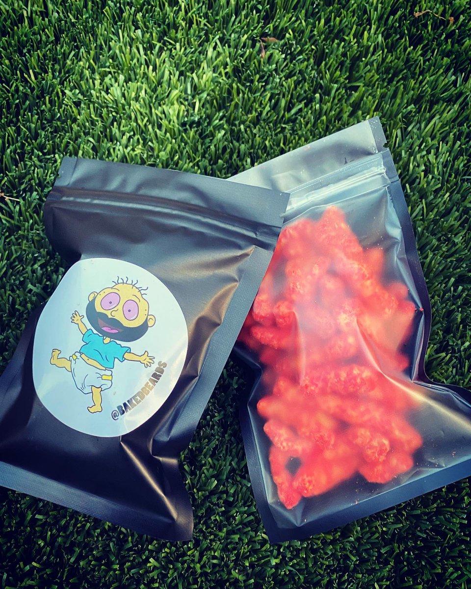 #edibles follow on Instagram @bakedbeards #420friendly #420life #CannabisCommunity #stoner pic.twitter.com/Papv6WiNz6