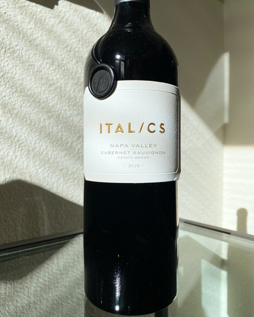 2014 Italics Cabernet Sauvignon. Italics is located in Coombsville, a cooler region in Napa Valley. #italicswinegrowers #napavalley #winery #wine #cabernetsauvignon #coombsville #tbt #somm #sommelier #カベルネソーヴィニヨン #ナパバレー #カリフォルニアワイン #ワイン #ソムリエpic.twitter.com/xW0b7OJHgo