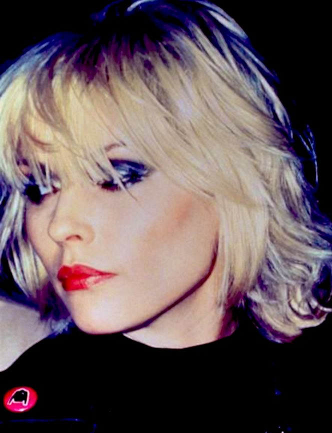 Debbie Harry #blondie #beauty #music #icon pic.twitter.com/eUZ35GcW2p