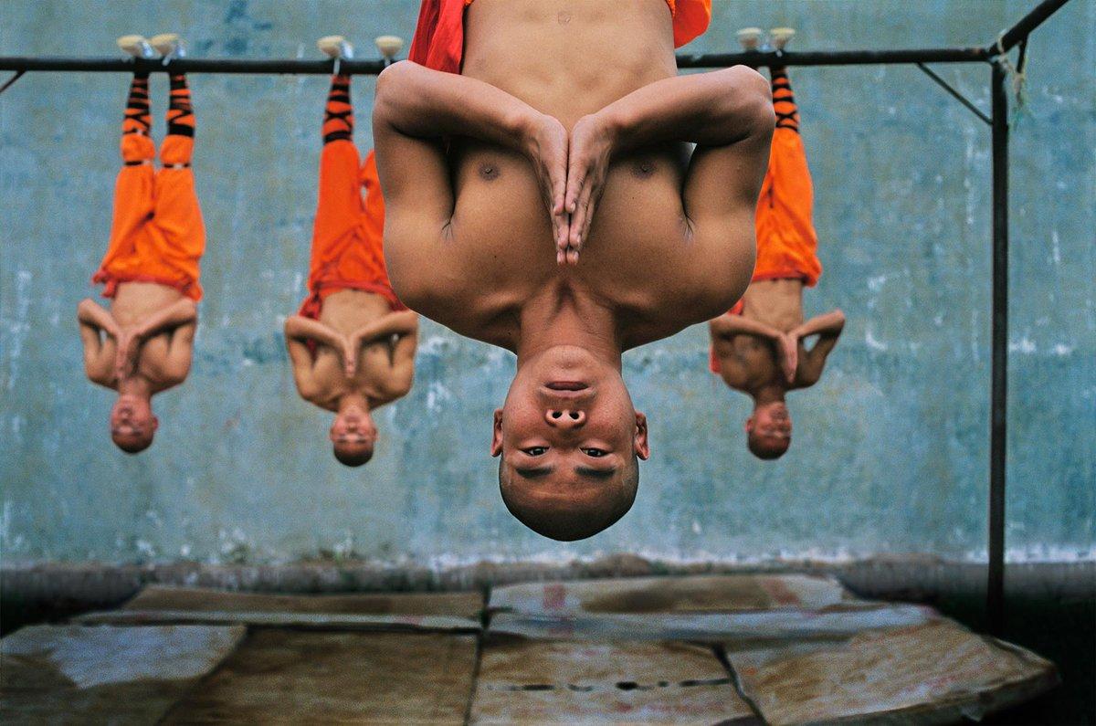 #Photography Steve McCurry (2004), Hunan Province, China, Shaolin (Kung Fu) Monastery. pic.twitter.com/OysxxdepoG