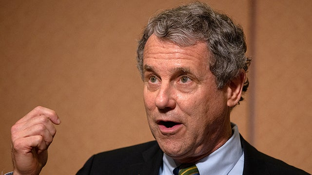 Sherrod Brown endorses Biden for president hill.cm/SUzfjaN
