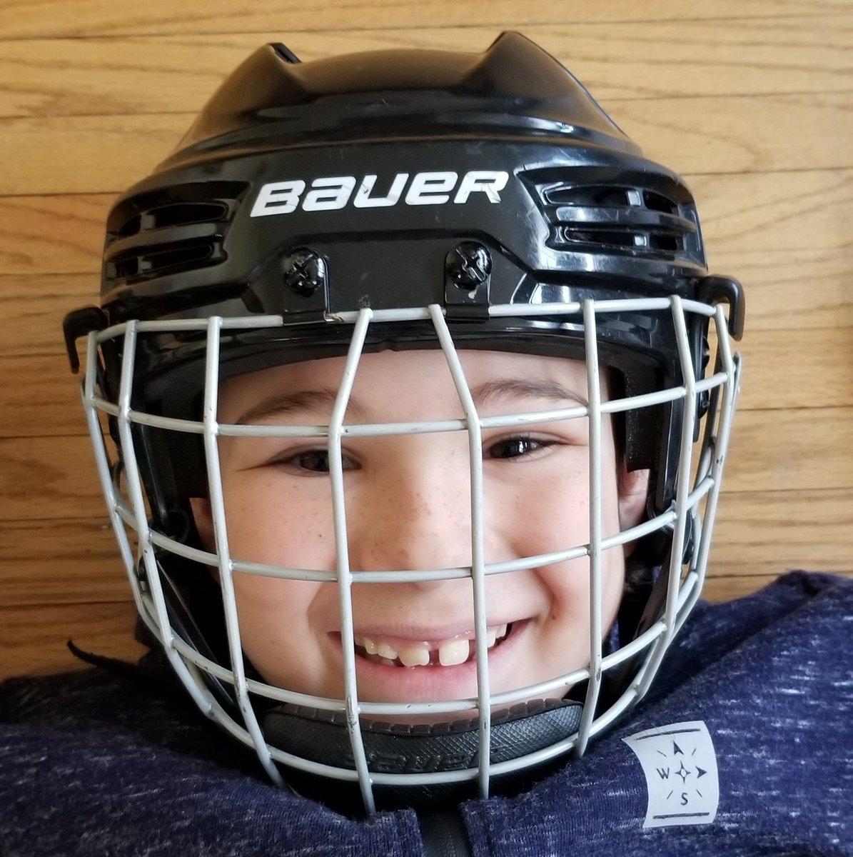 Always wear your helmet. #SafetyFirst #Helmet #Bauer pic.twitter.com/f8RWEC5qdX