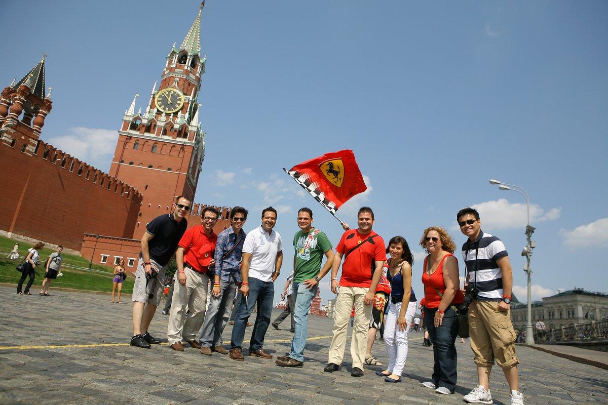 Unfortunately no #F1, but great memories #FerrariFans   (a few years ago...2011) #Moscow pic.twitter.com/tyywZlBYlB
