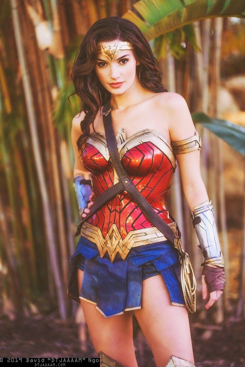 One more photo of @AlysonTabbitha's Wonder Woman!  #cosplay #holidaymatsuri #holidaymatsuri2019 #holmat #holmat2019 #wonderwomanpic.twitter.com/eP7AaOu1mb