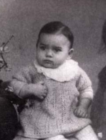8 April 1940 | French Jewish girl Jacqueline Benguigui was born in #Paris.  She arrived at #Auschwitz on 25 June 1943 in a transport ot 1,018 Jews deported from Drancy. She was among 418 people murdered in a gas chamber after the selection.pic.twitter.com/imTlxfzyjt