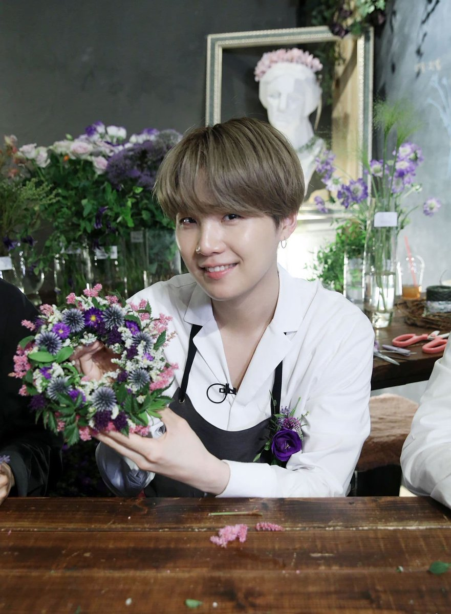 SOPE standing at your door giving you these flowers 😌  @BTS_twt #SOPE