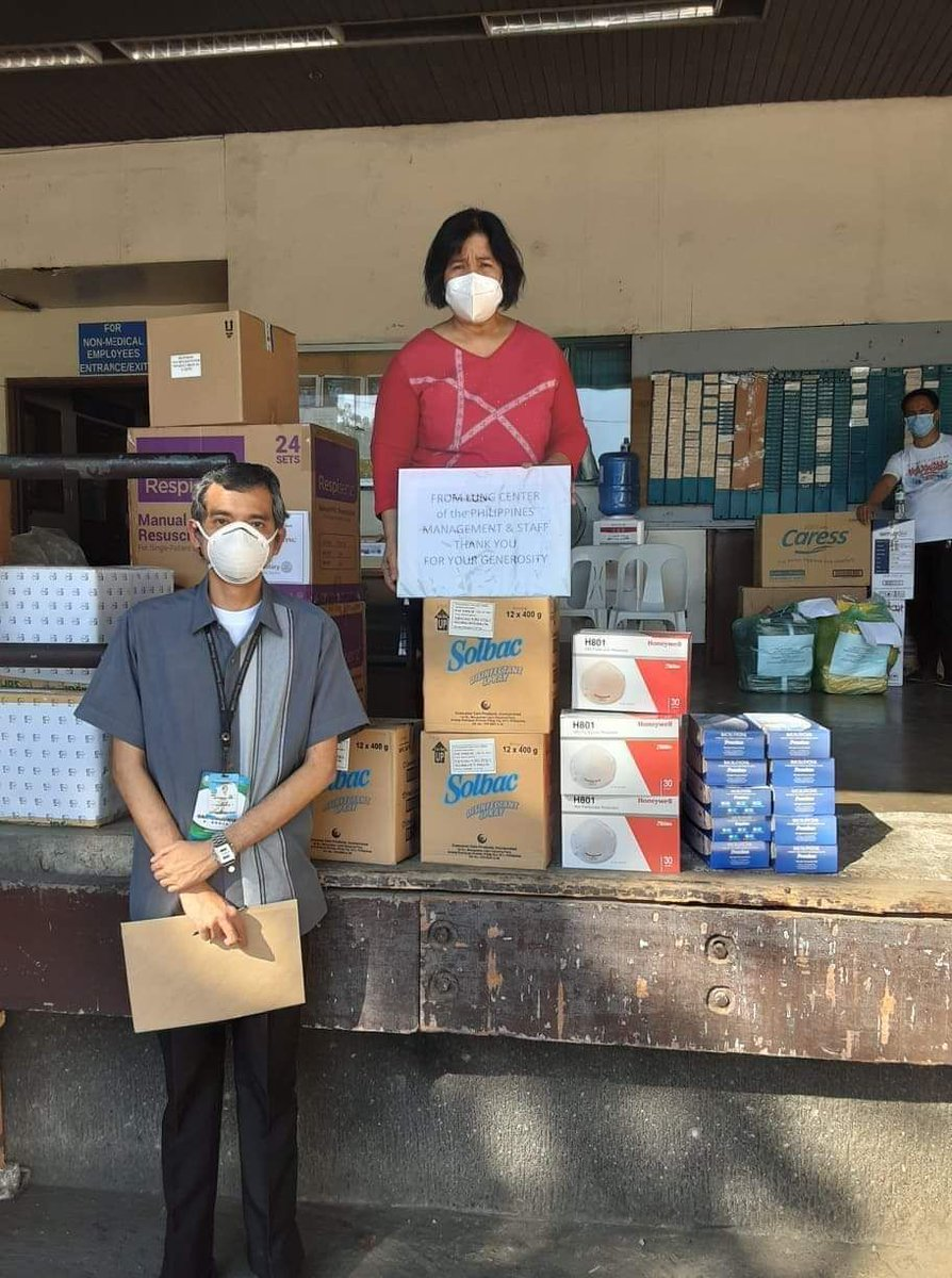LOOK: DENR-EMB MIMAROPA donates personal protective equipment (PPE) and other medical supplies to the Lung Center of the Philippines. #WeHealAsOne #COVID19PH #frontlineworkers  👉 https://bit.ly/2JQ8ZB8  📸 EMB MIMAROPA