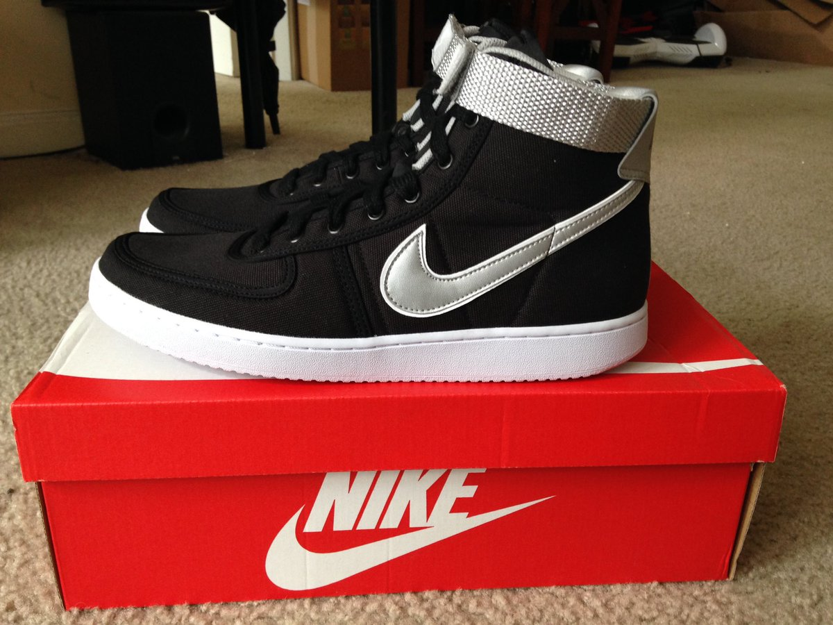 The shoes Kyle Reese wears