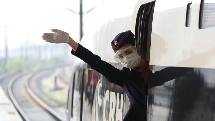 #Wuhan's outbound trains hit the tracks as lockdown ends
