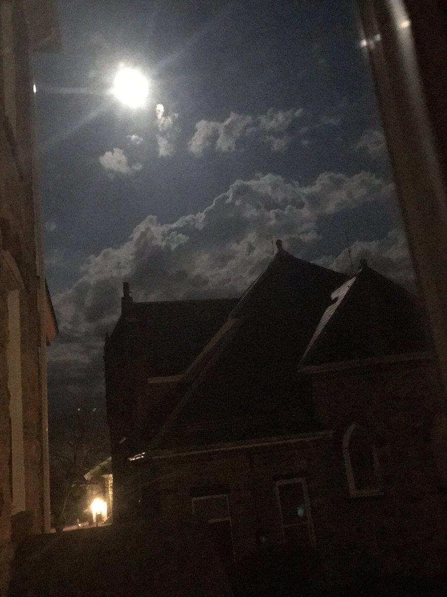 The #magnumOpus: the light shines bright above Saint Anthony #shine  #photography #nightvision #lightpic.twitter.com/BILvhBHh4O