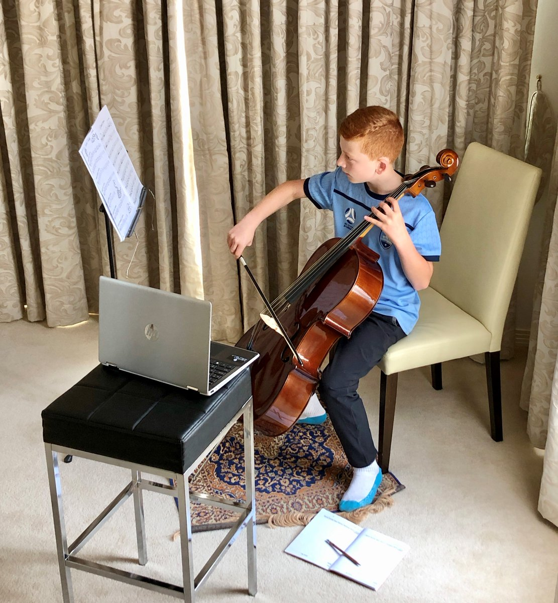 Conor (Year 5) continues his cello practice at home with an online lesson. It's great to see our students keeping up with their musical learning & creative expression.