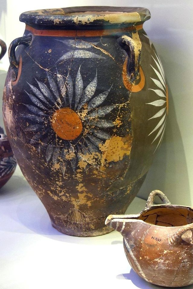 Jar with floral decoration.Phaistos,Crete,Greece.1900-1700 BC.