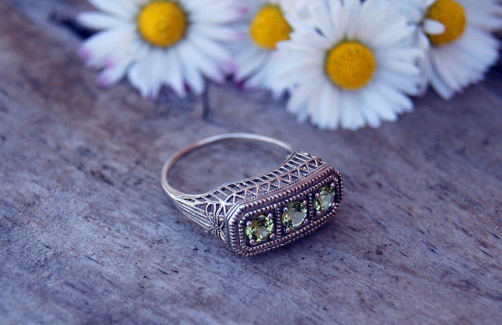 Incredible!  #jewelrybox #jewelrystore #jewelryjunkie #jewelrylovers #jewelrysale